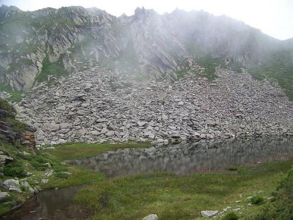 Sentiero Laghetto Brusiccia (o del Toro) - A. Vallezö