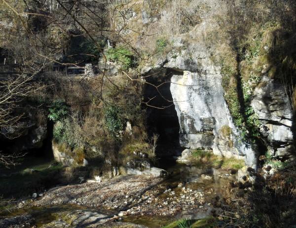 Sentiero Grignasco - Grotte di Ara